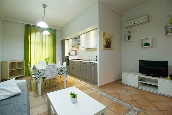 Delfino2 Casesicule,, Nice Apartment with Balcony, Sand Beach at 70 mt, Wi-Fi
