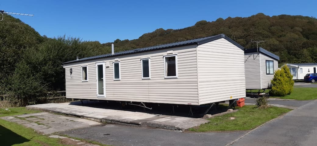 Butterfly's Rest - New Listing (REF 140DM)