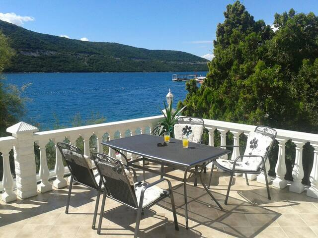 New sea-view apartments - Neum