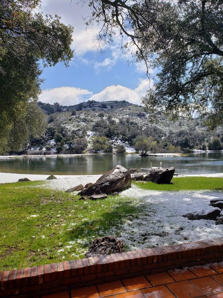 Romantic Retreat & Private Fishing near Julian