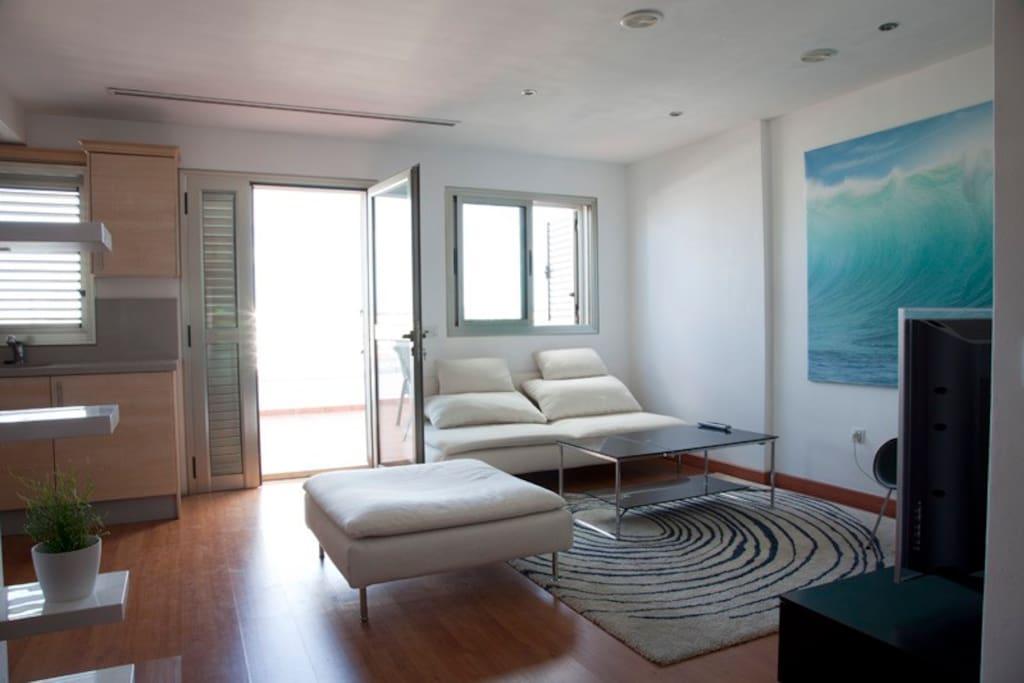 Tico con jacuzzi en zona playa de las canteras apartamentos en alquiler en las palmas de gran - Apartamentos baratos en las canteras ...