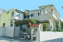 Villa Palma, 300 m from town center, free parking, internet and air condition
