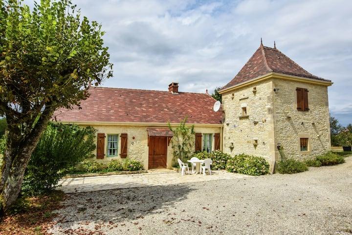 Maison de vacances confortable avec piscine à Thédirac