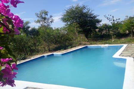 QUAINT 4 Bedroom Villa with pool-Tiwi beach
