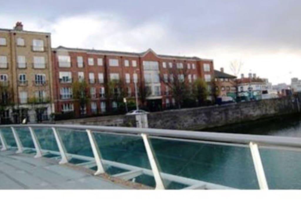 Cosy bedroom along the river liffey apartamentos en alquiler en dubl n dubl n irlanda - Apartamentos en irlanda ...