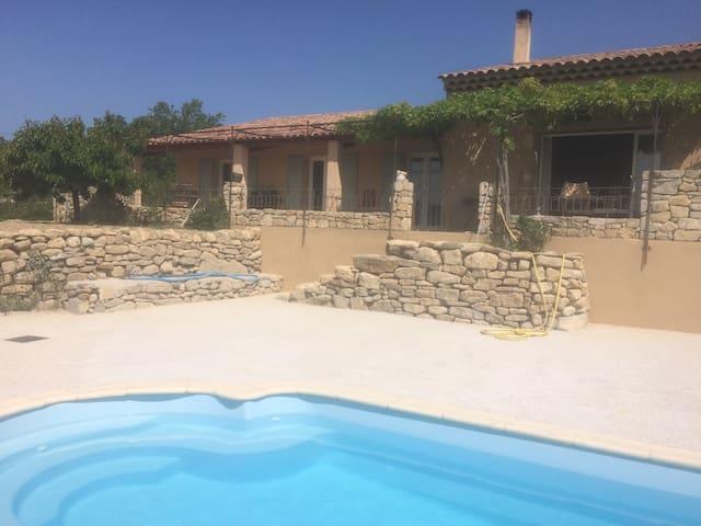 Studio 32m2 , piscine au cœur du Luberon - Viens - Apartamento