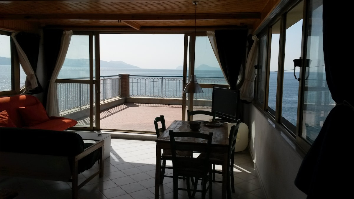 Terrace Of The Stilt House / | \ ...landed!   Apartments For Rent In Torre  Del Greco, Campania, Italy