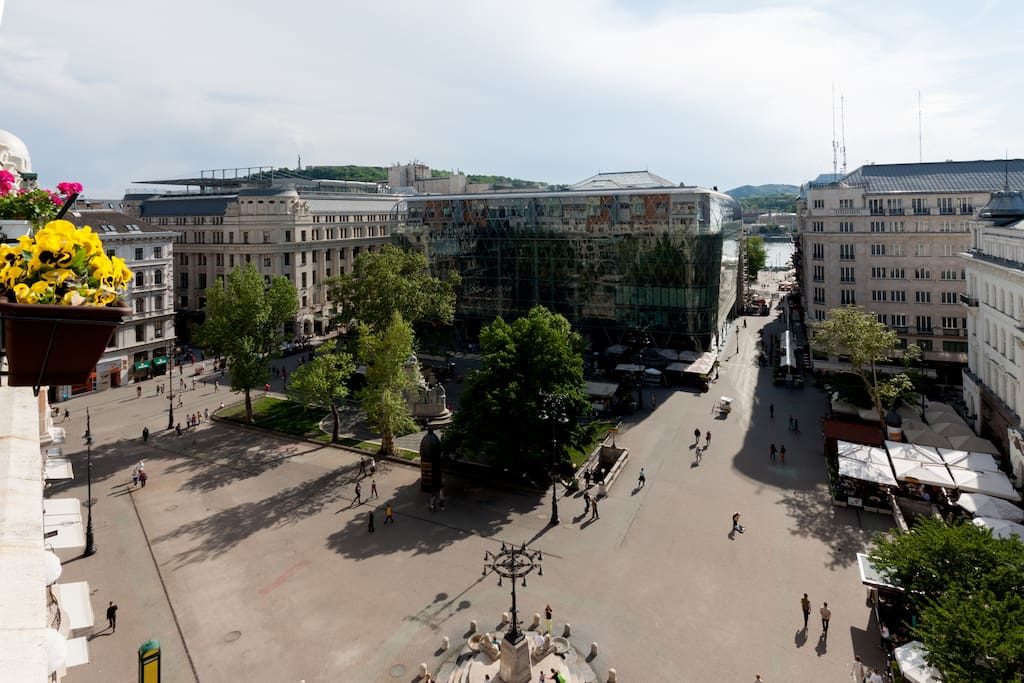 view on Vorosmarty square and the Danube