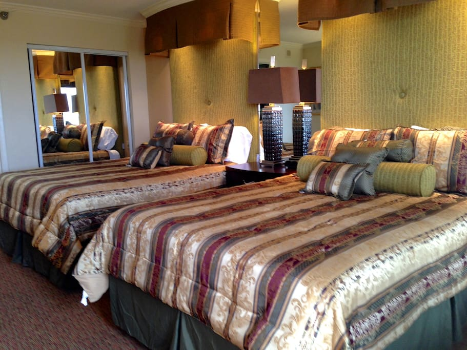 New Premium Pillow Top Queen Beds with ALL NEW Bedding