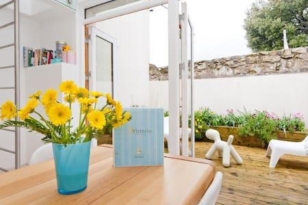 Award winning Designer House close to everything! - Dundrum - Casa