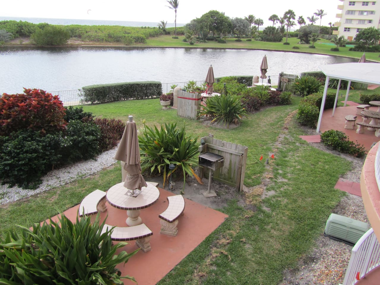 Beach front Condo with pool, hot tub,putting green - Resorts for ...