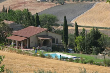 Splendid villa with swimmingpool - Montenero - Casa
