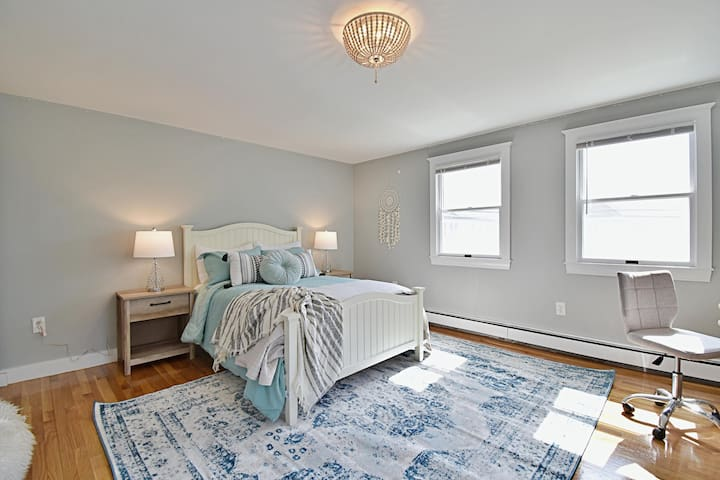 Bedroom 2 - chic and boho