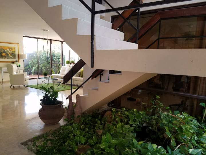 Habitaciones en casa familiar sencilla y acogedora