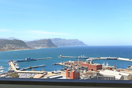 Modern Luxury With Amazing Views - Horatio - Cape Town