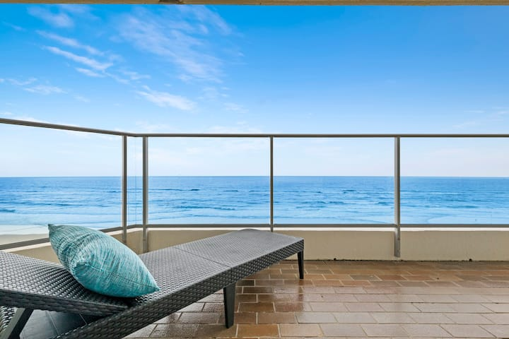 1 Bedroom ABSOLUTE BEACHFRONT Apartment