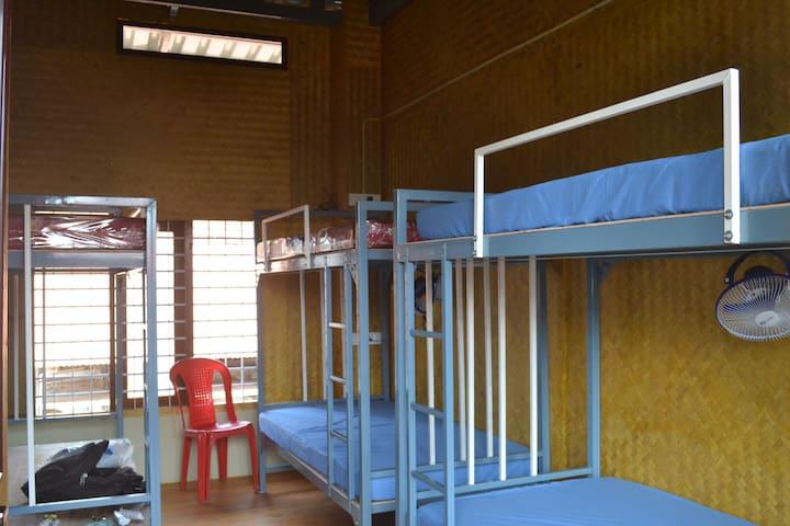 Single Beds in Doorm
