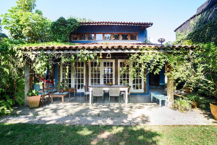ATLANCTIC HOME IN NATURE AND 20M FROM BALEIA BEACH