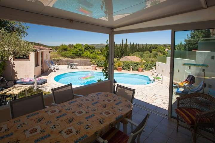 House in Provence with a pool and beautiful view - La Celle - Casa