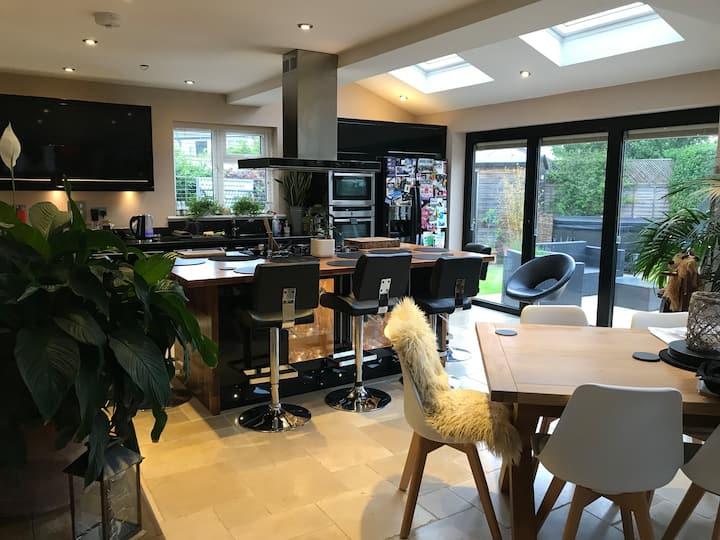 Modern single room in Old Marston