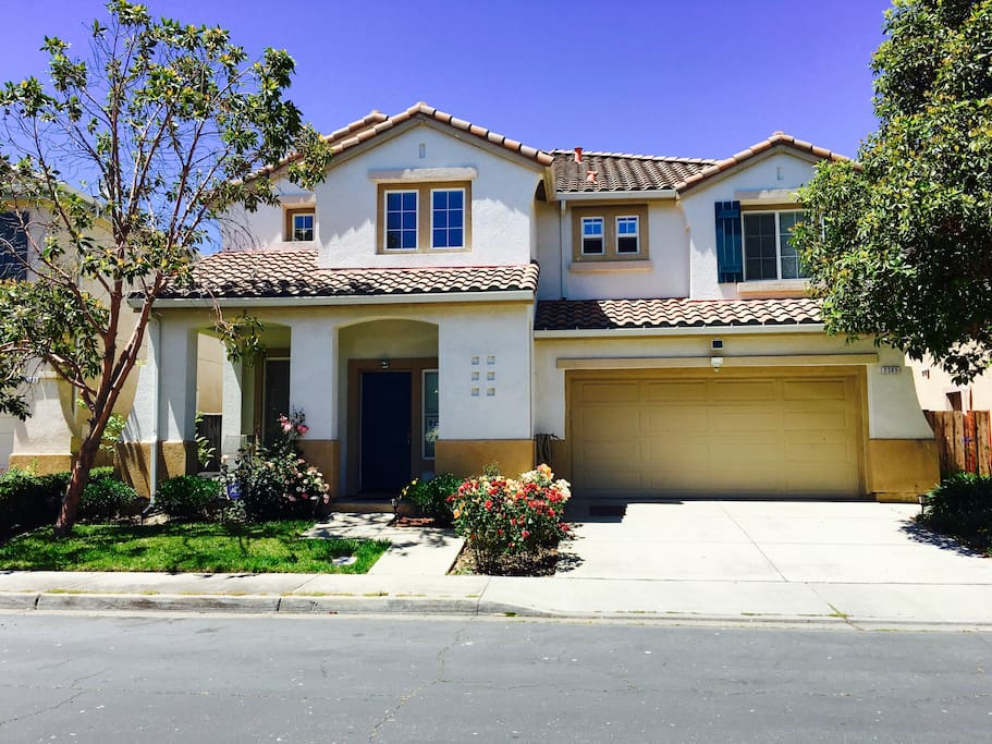 2 Private Br In A Top 10 Luxury House In Sl Houses For Rent In San Leandro California