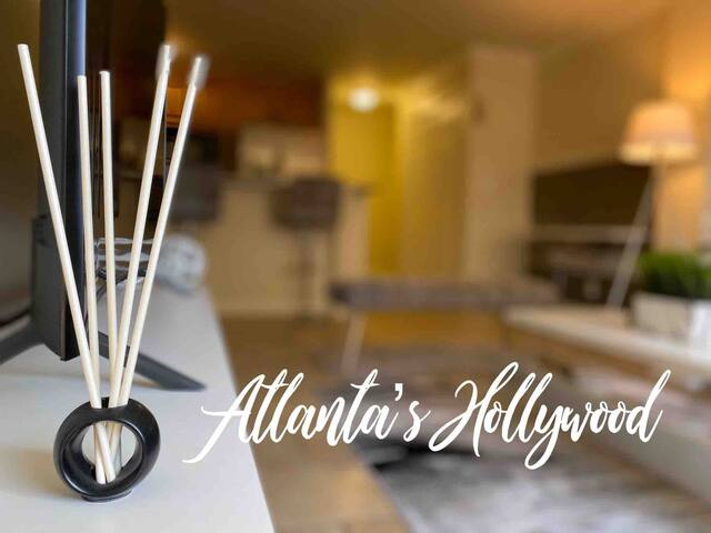 Atl's New Hollywood Midtown/buckhead  SMART condo
