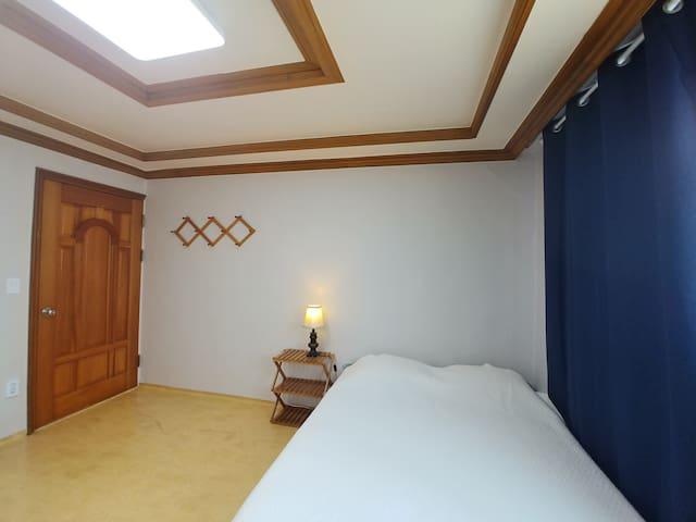 Rm 1. Simby House near HYU Erica 안산 쉐어하우스 욕실딸린 방