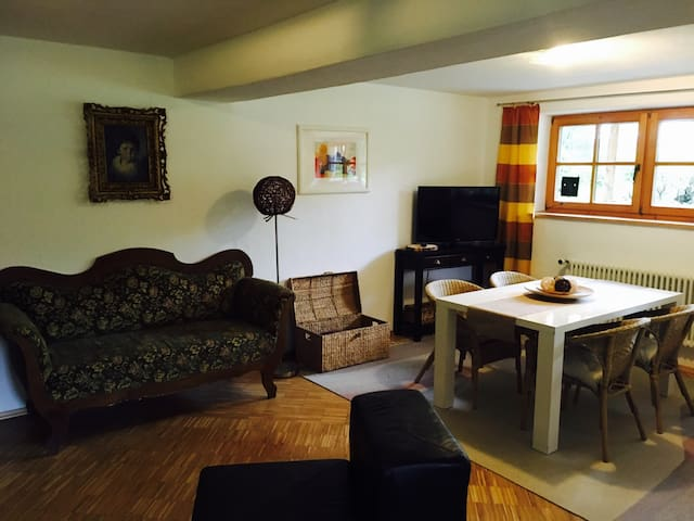 40qm, Kachelofen - Biberbach - Rumah