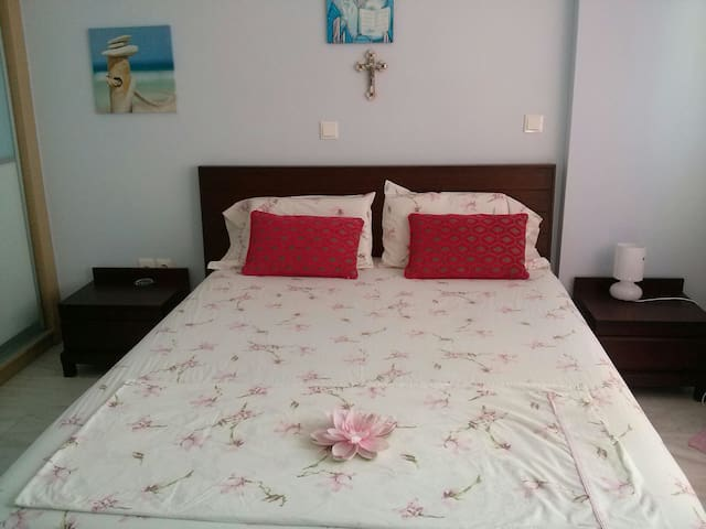 Double@Bath in Lux apt Beach-Center - Nea Smirni - Bed & Breakfast