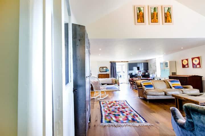 Spacious studio-style apartment with amazing view