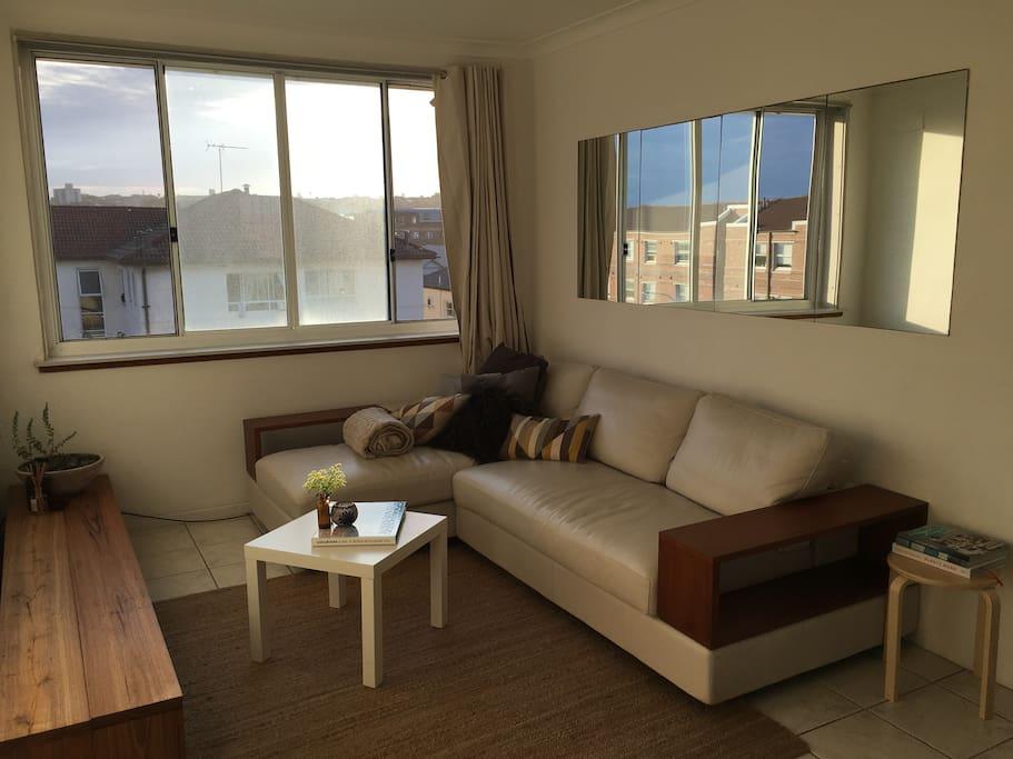 Beatutiful leather lounge
