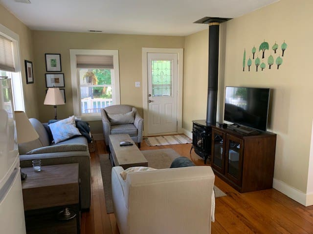 The Little Mitten features a cozy living room with gas fireplace, high-speed internet, Apple TV with Netflix and Hulu.