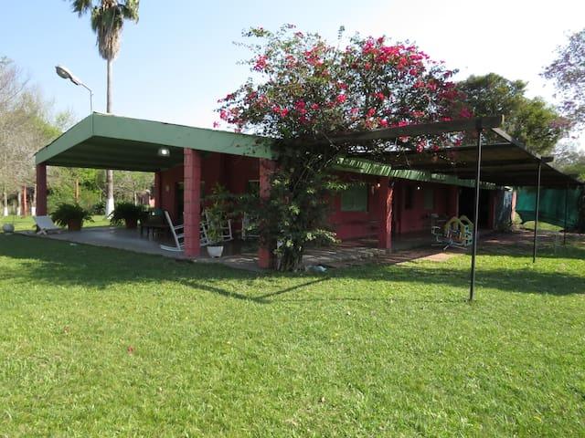 Casaquinta en  Corrientes - Corrientes - Chalet