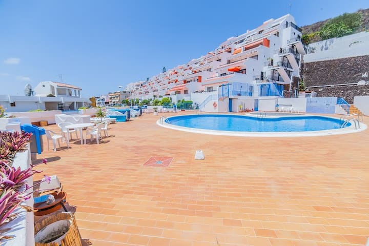 sea view apartm. los cristianos,350mt from the sea