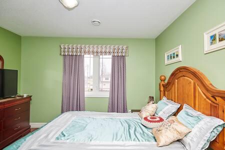 One of 3 Rooms in 3 bedroom suite
