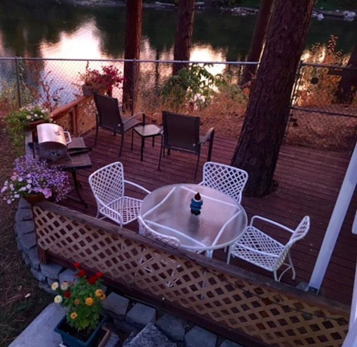 BBQ and relax on your deck overlooking the beautiful Wenatchee River at sunset.