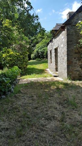 la petite maison dans la prairie - Mûr-de-Bretagne - Haus