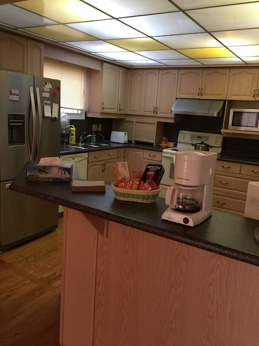 Fully Equipped Kitchen with Coffee Machine & Pure Water Equipment & Cooking Utensils