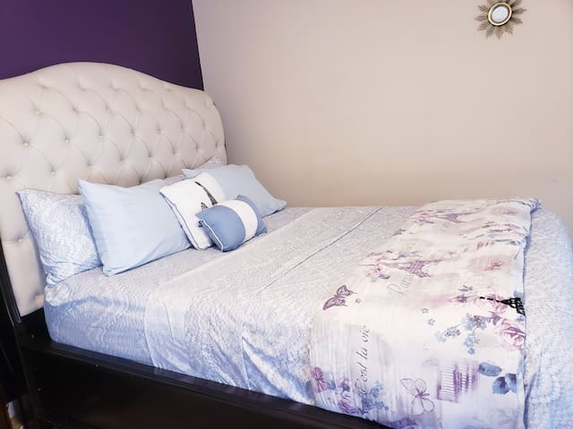 Easy Accessibility to All necessities. Room 2