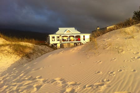 Beach house on the Dunes - Pringle Bay