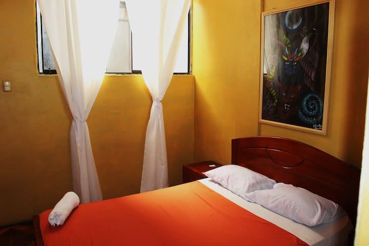 SACHAHUASCA - Backpacker Bed & Breakfast
