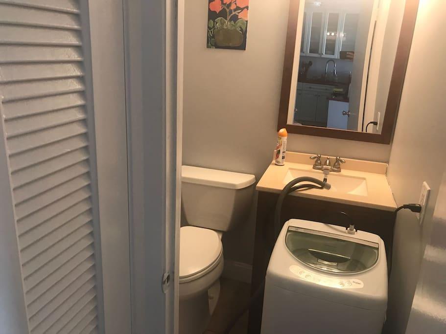 Restroom N2 with wash machine