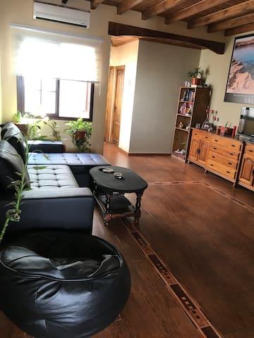 Preciosa casa que acepta mascotas con wifi-terraza