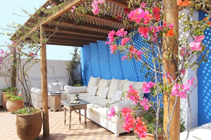 Stylish house + sunny private roof. - Marrakesh - Leilighet