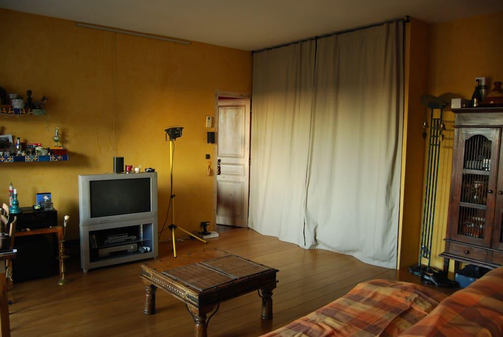Le salon TV/Living room