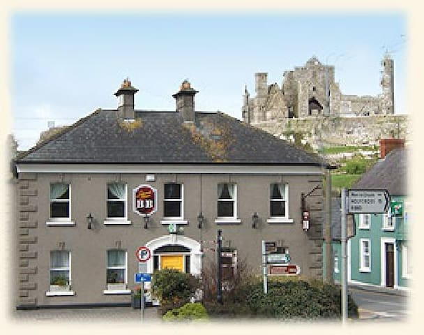 B&B with Great Views of Rock of Cashel