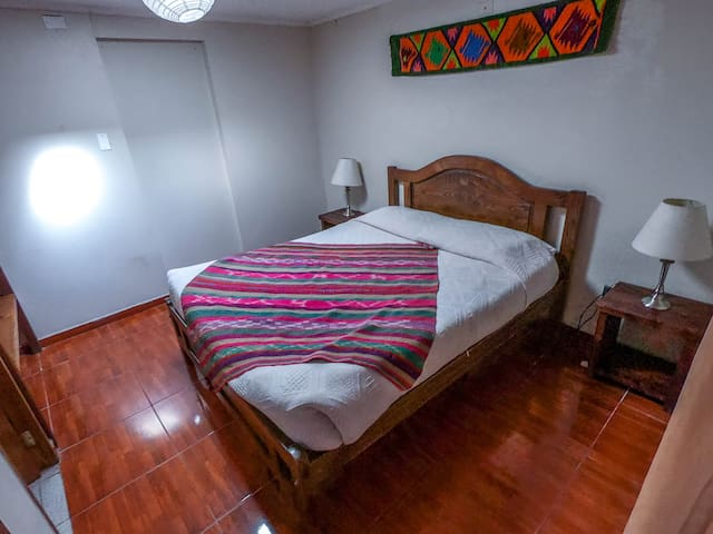 Alojamiento y turismo,matrimonial baño privado.