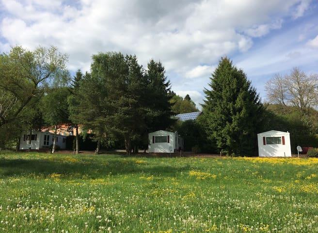 Luxus-Camping (Zelten & Eifel-Häuschen Kombi)