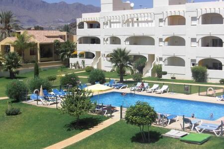 07. Bonito piso con piscinas - San Juan de los Terreros
