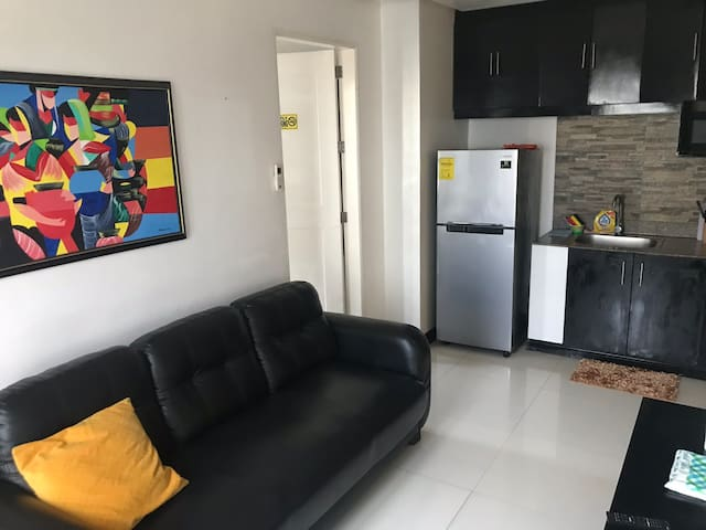 Malate Birch Tower 1BR 46sqm with Balcony